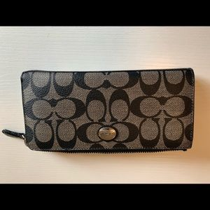 Coach wallet. Women's black and gray.